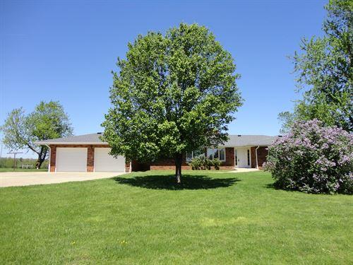 Lovely Brick Home 10 Acres Between : Salem : Dent County : Missouri