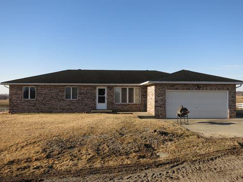 Brick Home Gently Rolling Grass : Ridgeway : Harrison County : Missouri