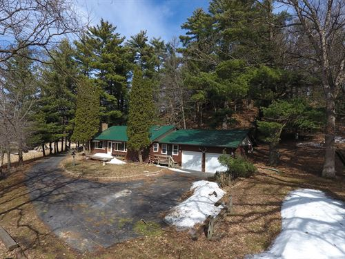 Country Home 2.86 Acres 1 Mile From : Viroqua : Vernon County : Wisconsin