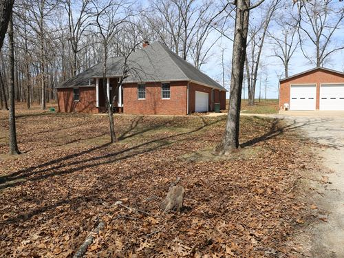 Executive Brick Home in MO Ozarks : Mountain View : Howell County : Missouri