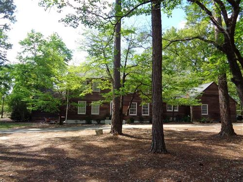 Large American Colonial With 4 Bed : Eufaula : Barbour County : Alabama