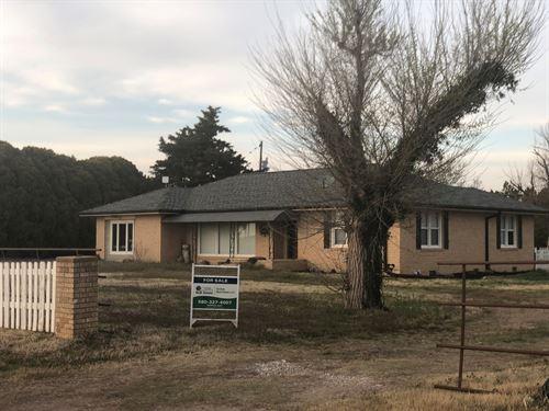 Country Home Near Alva, Oklahoma : Alva : Woods County : Oklahoma