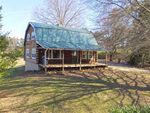 Cabin Retreat : Troutville : Botetourt County : Virginia