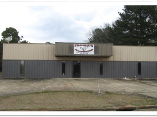 3 Acres With A Building In Choctaw : Ackerman : Choctaw County : Mississippi