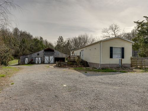 Quiet Country Setting, Acreage : Lynnville : Giles County : Tennessee