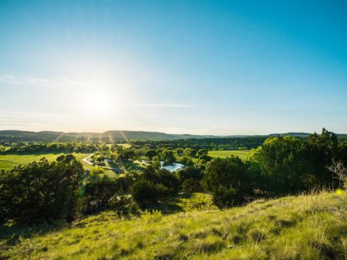 25.9 Ac, Hill Country : Boerne : Kendall County : Texas