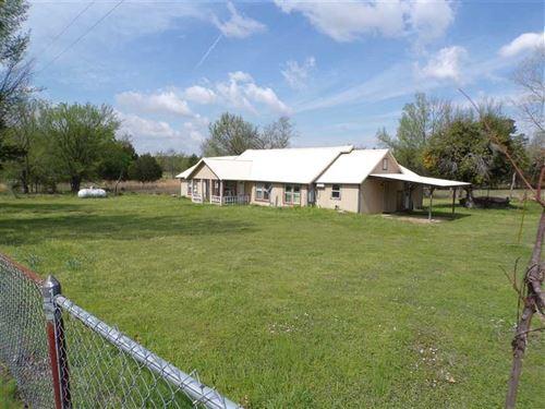 Cozy 4 Bedroom Farmhouse on Highwa : Antlers : Pushmataha County : Oklahoma