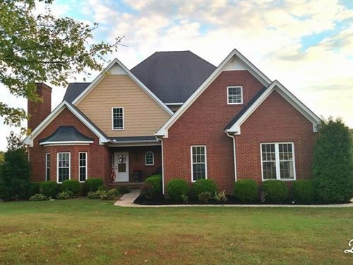 Spectacular Country Home Acreage : Columbia : Maury County : Tennessee