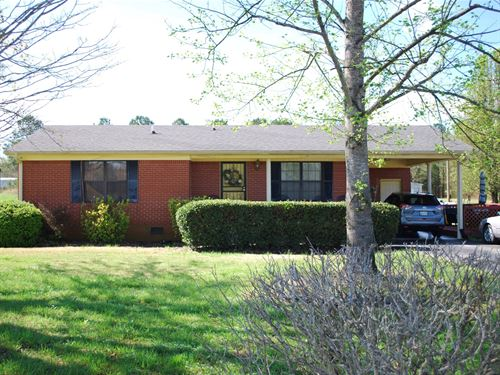 Charming Brick Home Out in Country : Oakfield : Madison County : Tennessee
