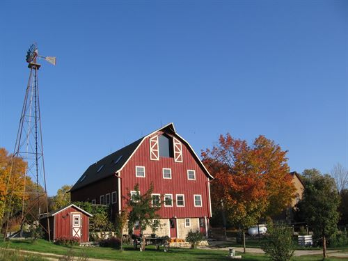 Restored 1914 Barn : Evansville : Rock County : Wisconsin