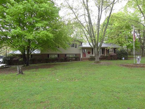 Country Living Hartselle, Alabama : Hartselle : Morgan County : Alabama