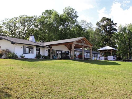Lake Palestine Waterfront Home : Chandler : Henderson County : Texas