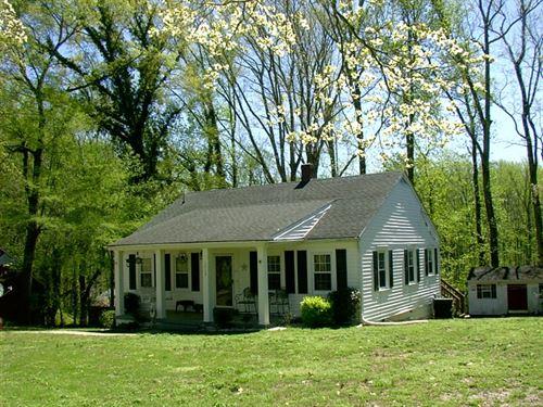 Charming 1950'S Ranch Acre Lot : Victoria : Lunenburg County : Virginia