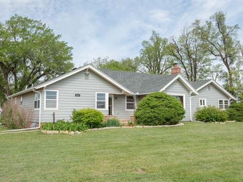 Gorgeous Ranch Home, 22 Acres : Hutchinson : Reno County : Kansas