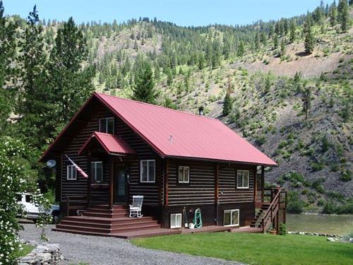 Stunning Riverside Getaway : Plains : Sanders County : Montana