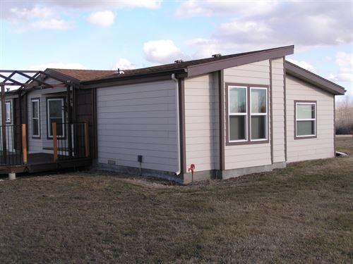Central Montana Country Home Barn : Hobson : Judith Basin County : Montana