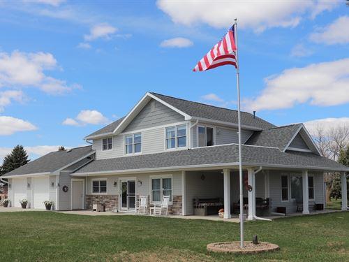 Country Home, Acreage : Logan : Harrison County : Iowa