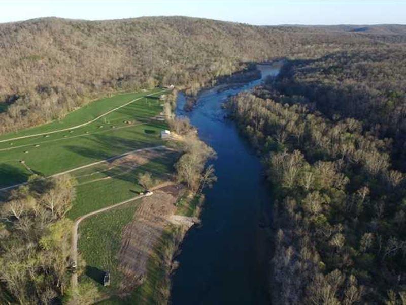 Current River Waterfront Land For : Van Buren : Carter County : Missouri