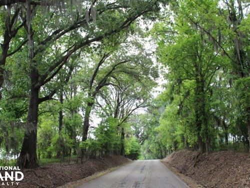 The Seven Bridges Road Farm : Pike Road : Montgomery County : Alabama