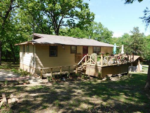 Cottage Lake Palestine-Tiny Living : Flint : Smith County : Texas