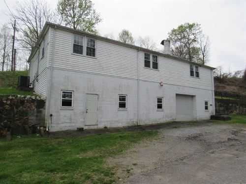 Commercial Building Auction Stuart : Stuart : Patrick County : Virginia