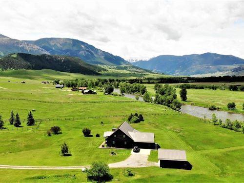 Stillwater River Cabin : Nye : Stillwater County : Montana