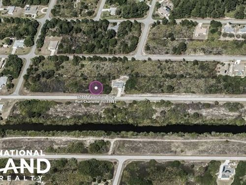 Beautiful Across From Water Lot in : Port Charlotte : Charlotte County : Florida