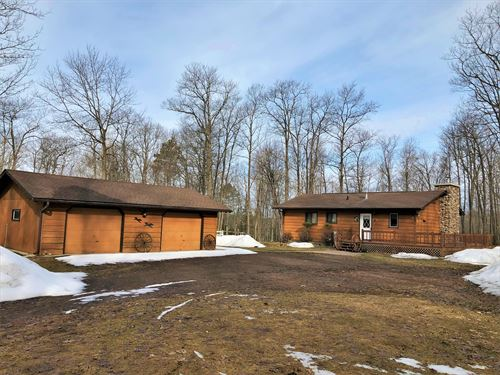 Charming Ranch Home On 9+ Acres : Minocqua : Oneida County : Wisconsin
