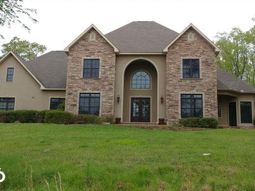 Luxury Home on 25 Acres Close to : Royal : Garland County : Arkansas