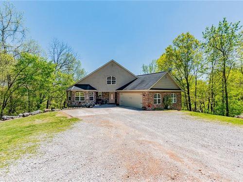Beautiful Spacious Home Pea Ridge : Pea Ridge : Benton County : Arkansas