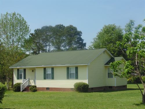 Bright & Cheery, Ahoskie, North : Ahoskie : Hertford County : North Carolina