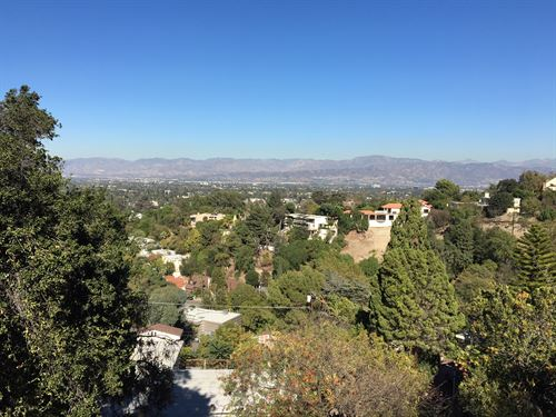Diamond Near Bel Air/Beverly Hills : Sherman Oaks : Los Angeles County : California