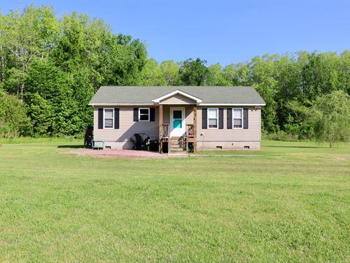 Starter Home on 2.2 Country Acres : Shawboro : Currituck County : North Carolina