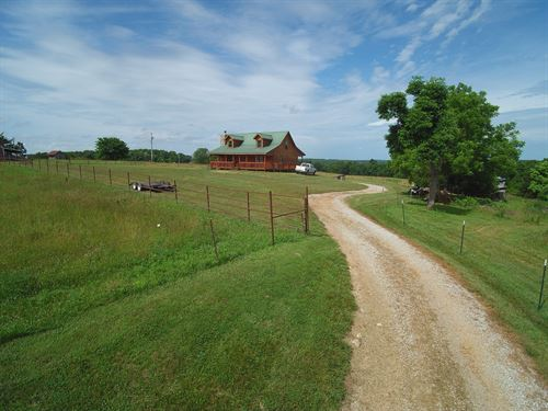 Log Home For Sale in Ozarks : Willow Springs : Douglas County : Missouri
