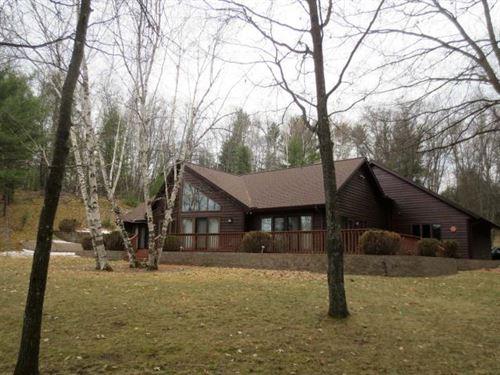 Custom Built Rhinelander Chain Home : Pine Lake : Oneida County : Wisconsin