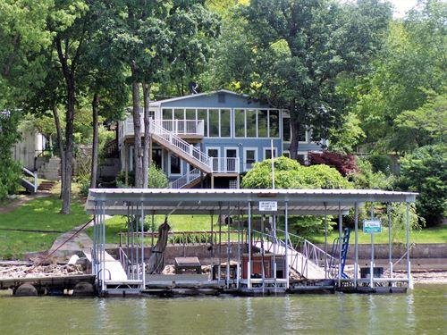 Waterfront Home at Lake of Ozarks : Camdenton : Camden County : Missouri