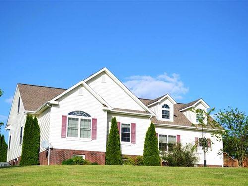 5 Bedroom 4 Bath Home Wythe County : Max Meadows : Wythe County : Virginia
