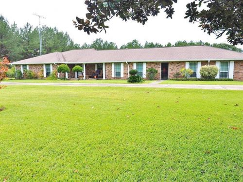 3 Bed, 3 Bath Brick Home, 15 Acres : Summit : Amite County : Mississippi
