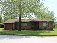 Home On 1 Acre In Berryville AR : Berryville : Carroll County : Arkansas