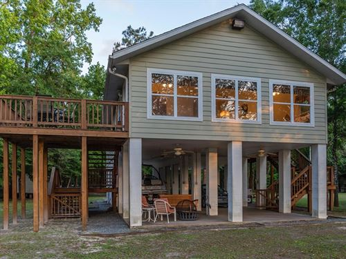Suwannee River Waterfront Home : Bell : Gilchrist County : Florida