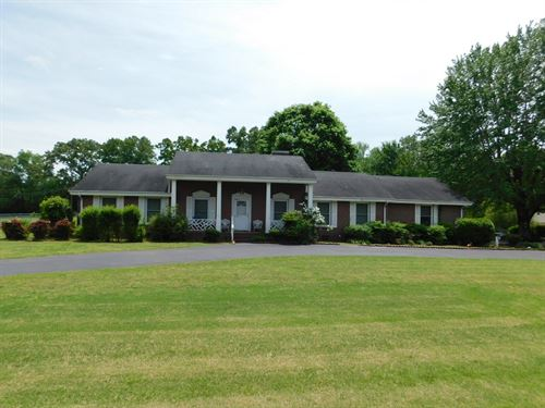 4Br Brick Home Savannah, TN : Savannah : Hardin County : Tennessee