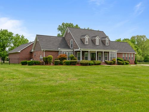 Gorgeous Home On 12 Acres : Hendersonville : Sumner County : Tennessee