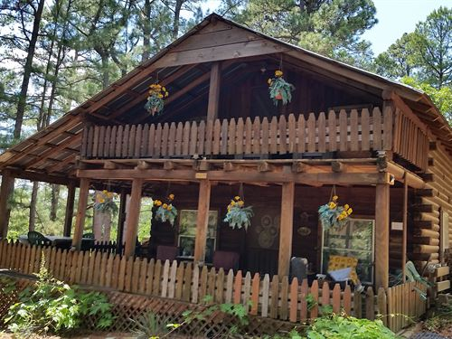 Cabin In The Woods : Talihina : Le Flore County : Oklahoma
