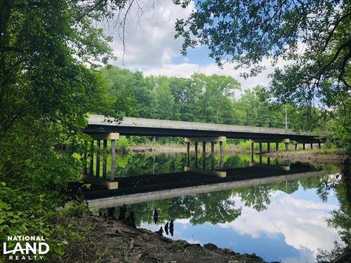 South River Cabin Retreat : Roseboro : Cumberland County : North Carolina