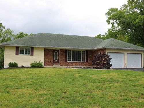 4 Br, 3 BA Country Home Acreage : Jamestown : Moniteau County : Missouri