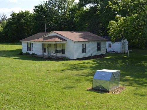 Country Home Out City Limits, Fixer : Bradford : Gibson County : Tennessee
