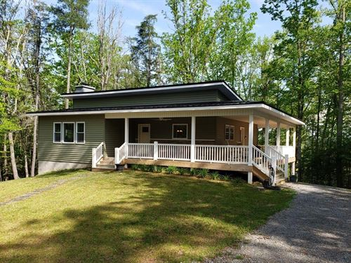New Home Conveniently Located : Independence : Grayson County : Virginia