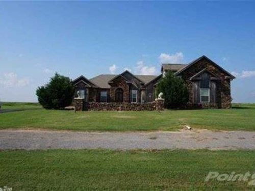 Prettiest Home in The Area Close : Newport : Jackson County : Arkansas