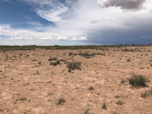 Great Semi Remote Location North : Deming : Luna County : New Mexico