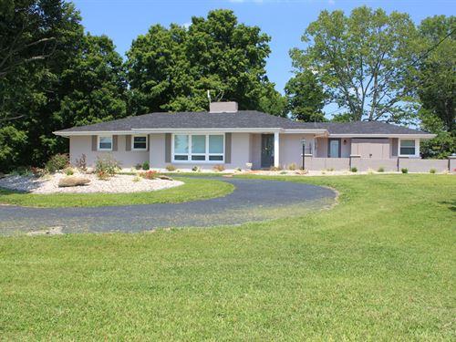 Country Home, Land, Horse Barn : Campbellsville : Taylor County : Kentucky